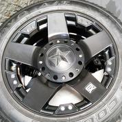 Velg XD Series Rock Star Ring 18 & Ban Toyo Open Country
