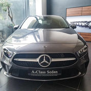 Mercedes-Benz A 200 Progressive Line Saloon Sedan (24037231) di Kota Jakarta Selatan