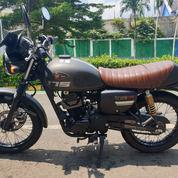 Kawasaki W175 Cafe Racer 2019. Baru 2000km (24073387) di Kota Tangerang Selatan