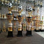Piala Kejuaraan Bola Hitam Putih Set (24121319) di Kota Bandung