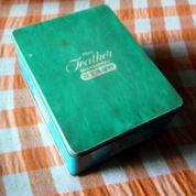 Tin Box Jadul Kao Feather Shampoo (2422603) di Kota Malang