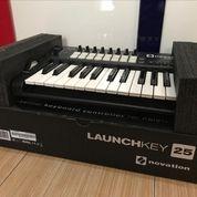 Keyboard MIDI CONTROLLER NOVATION LAUNCHKEY 25 (24269323) di Kota Depok