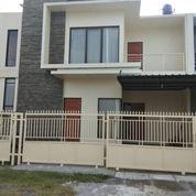 Rumah Baru 200 M2, Daerah Baturan, Colomadu, Surakarta (24621543) di Kab. Karanganyar