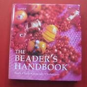 The Beaders HandBook & 1 Set Bahan Beadings, Beads & Benang