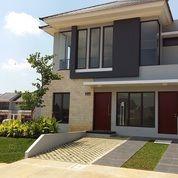 Rumah Di Ciracas Jakarta Timur 2 Lantai Cuma 2 Km Dari Stasiun LRT Ciracas (24956683) di Kota Jakarta Timur