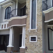 Rumah Dua Lantai Mewah Elegan TownHouse Dekat Stasiun Purwokerto (25135023) di Kab. Banyumas