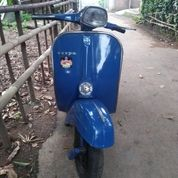 Vespa Super Tahun 1974 Biru