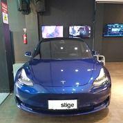 Brand New Tesla Model 3 Standard Range Plus Blue On Black (25259175) di Kota Jakarta Selatan