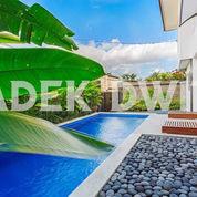 Villa Jalan Pantai Berawa Canggu