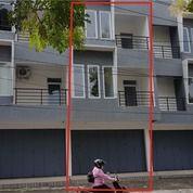 Ruko 3 Lantai Baru 215 M2, Tepi Jl. Dr Cipto, Sriwedari, Surakarta (25387983) di Kota Surakarta