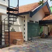 Rumah Besar 300 M2 Deket Mall Paragon, Mangkubumen, Surakarta (25390275) di Kota Surakarta