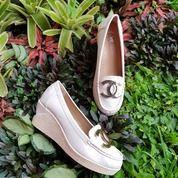 Wedges Sepatu Cream Wanita Import On Promo (25395315) di Kota Bandung