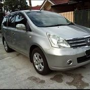 Nissan Grand Livina XV 1.5 A/T Ultimate 2011