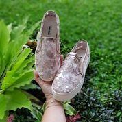 Miu Slip On Sepatu Wanita On Sale (25504699) di Kota Bandung