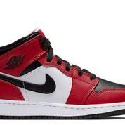 Jordan 1 Mid Chicago Black Toe (GS) - US size 4Y