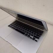 Macbook Air Core I5 Mid 2012 (25694207) di Kota Medan