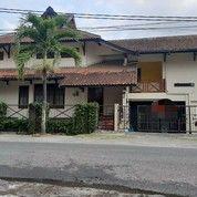 Home Stay Murah 3 Lantai Serta Perabotnya Di Utara Lotte Mart Lebar Depan 20 M Pinggir Jalan Raya (25703603) di Kota Yogyakarta