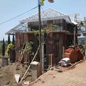 Rumah Villa Plus Kolam Renang Lokasi Di Kota Batu Dekat Tempat Pariwisata (25703879) di Kota Batu