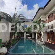 Luxury Villa Tegal Cupek Kerobokan Dekat Umalas Bumbak Semer (25726019) di Kab. Badung