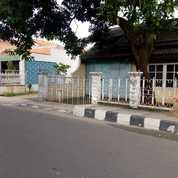 TANAH & STRATEGIS PINGGIR JALAN RAYA MT HARYONO (25808747) di Kota Tangerang