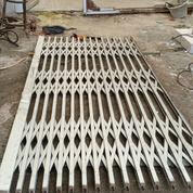 Spesialis Perbaikan Pintu Harmonika Jakarta Selatan & Barat (25861359) di Kota Jakarta Selatan