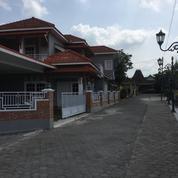 Rumah Besar Banyak Kamar Dan Balkon Di Jalan Damai Palagan (25989123) di Kab. Sleman