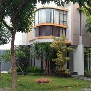 Rumah Cantik Dan Mewah Permata Jingga (26031747) di Kota Malang