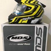 Helm MDS Super Pro Putih Hitam Kuning Seri 1 White Black Yellow (26074467) di Kab. Tangerang