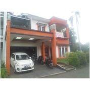 Rumah Mewah Dalam Townhouse Swadarma Ulujami Jakarta Selatan (26077151) di Kota Jakarta Selatan