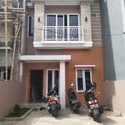 Rumah Lux Siap Huni Non Cluster Suasana Komplek (26141179) di Kota Jakarta Selatan