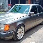 Mercedes Benz 300e,,Thn 91,,Tangan Pertama,Brg Full Orisinil,,Nego Sampe Jadi. (26165791) di Kota Bandung