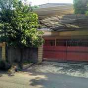 Rumah Mewah RAYA SATELIT UTARA , Sangat Terawat Siap Huni (26168807) di Kota Surabaya