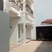 Rumah Lux Mewah Unit Pojok Siap Huny Dalam Cluster Deket Jl Raya (26181011) di Kota Jakarta Selatan