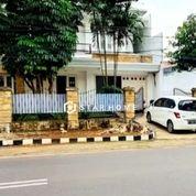 Rumah Mewah Lokasi Startegis Di SCBD Senayan Kebayoran Baru (26210539) di Kota Jakarta Selatan