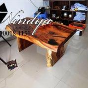 Mebel Meja Makan Kayu Trembesi Furniture Suar Code: T2T (26260347) di Kab. Karawang