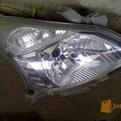 Headlamp Original Toyota Avanza / Daihatsu Xenia Tahun 2012 - 2015 Sebelah Kanan (2635995) di Kota Jakarta Utara