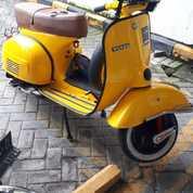 Vespa Super Tahun 1977 Kuning (26459331) di Kota Depok