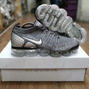 Sepatu Nike Air Vapormax Flyknit 2 Dark Grey Chrome (26490927) di Kota Bandung
