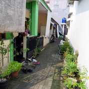 KONTRAKAN 5 PINTU Di Mampang Depok (26625315) di Kota Depok