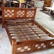 Divan Tempat Tidur Kotak (26661247) di Kota Depok