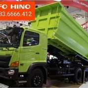 READY HINO DUMP TRUK (26771007) di Kota Kupang