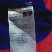 Kaos UNIQLO Cowok Kondisi Dipastikan Seperti Baru (26782935) di Batam