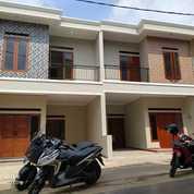 Rumah Strategis Di Cluster Lenteng Agung Jagakarsa Jakarta Selatan (26785683) di Kota Jakarta Selatan