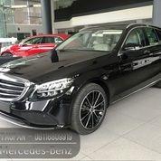 Mercedes-Benz C200 Exclusive Estate 2020 (NIK 2019) Hitam Interior Beige Dealer MercedesBenz Jakarta (26791631) di Kota Jakarta Selatan