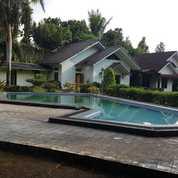VILLA PERMETER CANTIK BERSIH BAGUS SEKALI Di Cisarua (26798483) di Kota Bogor