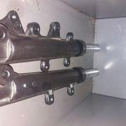 Sock Depan Satu Paket Velk Depan Nmax Minus Peang Dikit (26939475) di Kab. Tangerang