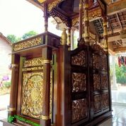 Mimbar Masjid Khutbah Podium Maroko Ukir Bunga 001 (26940715) di Kota Jakarta Barat