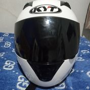 Helm KYT R10 Baru Pakai 2 Minggu (27046115) di Kota Palembang