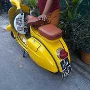 Vespa Super Tahun 1974 Kuning (27070011) di Kota Jakarta Timur