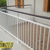 Railing Balkon Besi Kombinasi Kayu Harga Termurah Di Bali (27079351) di Kab. Klungkung